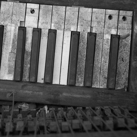 Broken Piano (Port-au-Prince, Haiti; November 2011)